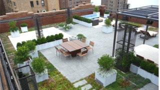 Изграждане на проходими и зелени покриви и открити тераси
